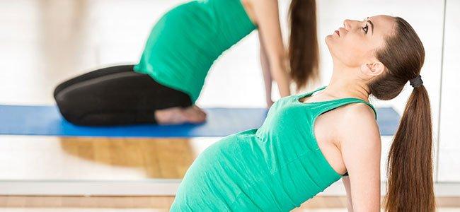 Embarazada practicando ejercicio