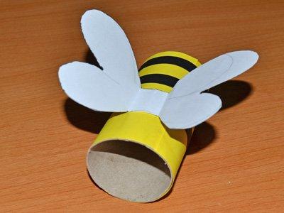Abeja voladora con rollo de papel higi nico manualidad for Trabajos manuales sencillos