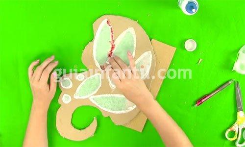 Cómo hacer alas de mariposa caseras. Paso 4