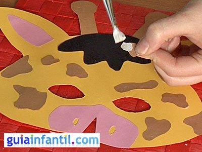 Antifaz jirafa paso 5