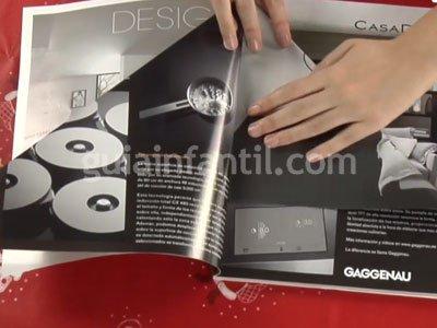 Cómo hacer un árbol de Navidad con una revista. Paso 1