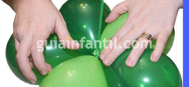 Árbol de Navidad con globos. Paso 5
