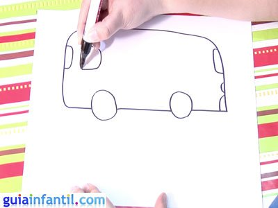 Dibujo de un autobús. Paso 3.