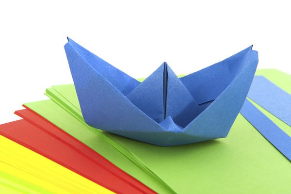 manualidades infantiles como hacer un barco de papel
