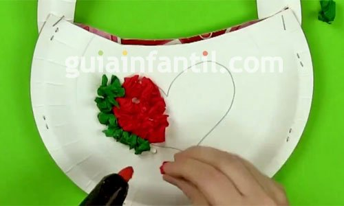 Cómo hacer un bolso decorativo para mamá. Paso 4
