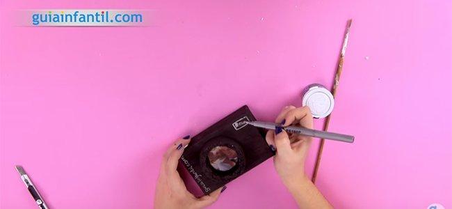 Caja marco con forma de cámara de fotos. Paso 4