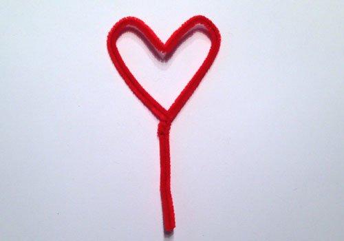 Maceta con flor de corazón. Paso 1