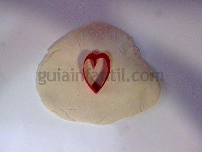 Corazón de pasta de sal. Paso 3