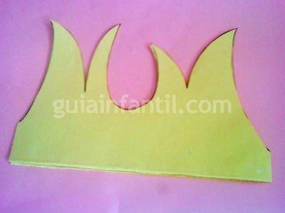 Cómo hacer una corona de papel o cartulina. Paso 2