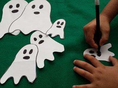 Dibuja la carita de los fantasmas