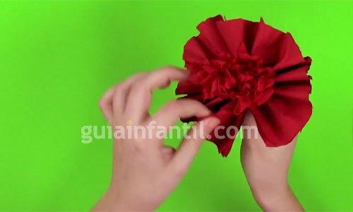 Cómo hacer flores con papel. Paso 4