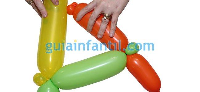 Gorro de arlequín con globos. Paso 2