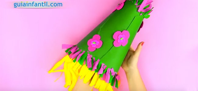 Sombrero de payaso para Carnaval. Paso 5