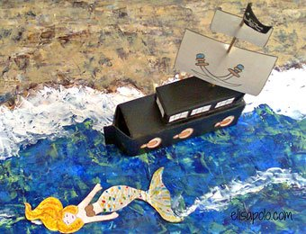 Barco piraja con cajas