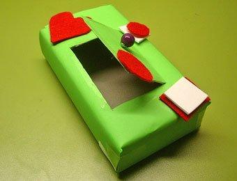 Caja decorada con cartulina y fieltro