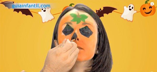 Maquillaje de calabaza para Halloween. Paso 4