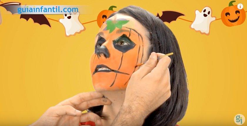 Maquillaje de calabaza para Halloween. Paso 5