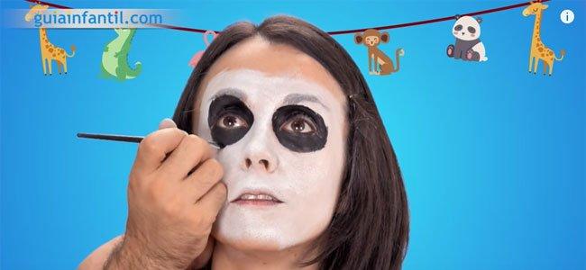 Maquillaje de oso panda. Paso 2