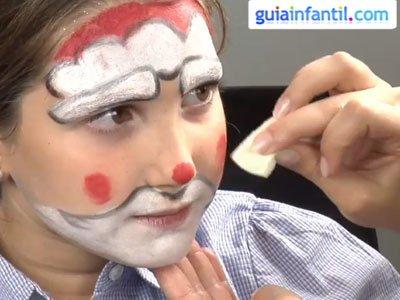 Cómo hacer un maquillaje de Papá Noel. Paso 3