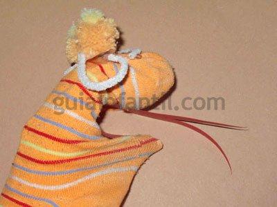 Cómo hacer una marioneta lagarto. Paso 5