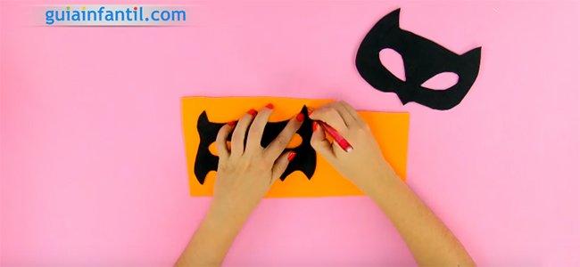 Máscara de Catwoman y Batman. Paso 3