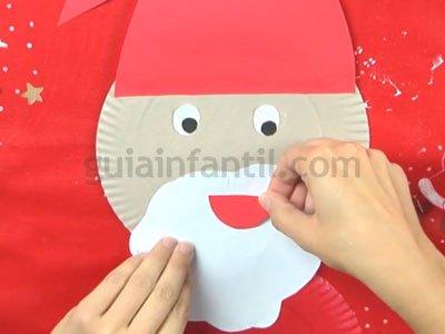 Papá Noel con platos de cartón. Paso 5