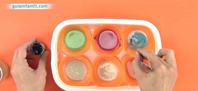 Cómo hacer pintura casera para niños. Paso 3