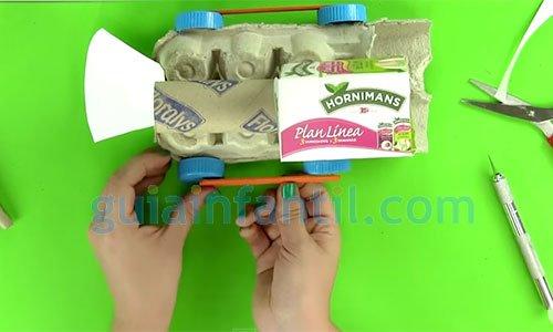 Tren de cartón. manualidades infantiles de reciclaje