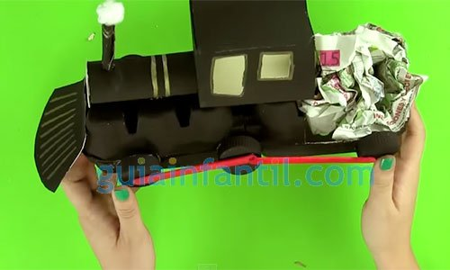 Cómo hacer un tren de cartón. Paso 6