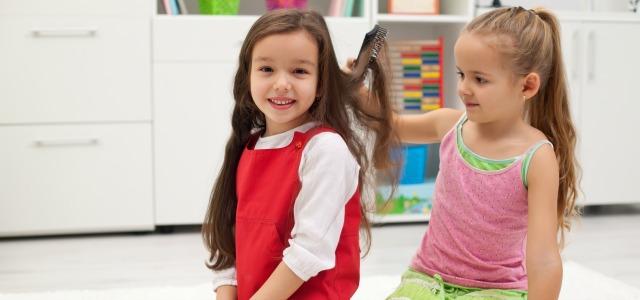 Consejos para cuidar el pelo largo de las niñas