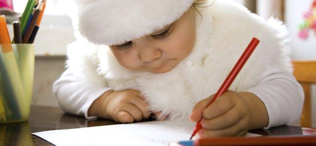 Bebé escribe carta Navidad