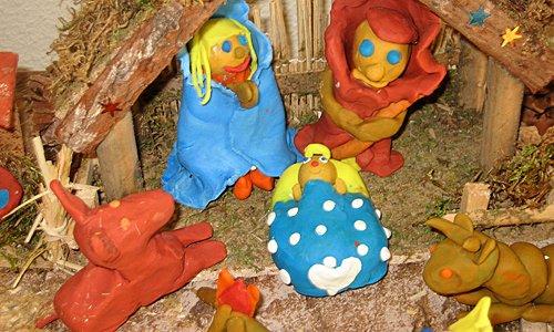 Belén de plastilina: María, José y el niño Jesús
