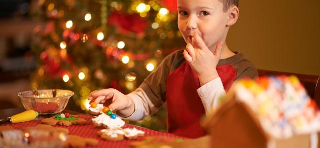 Controlar el exceso de los niños con los dulces navideños
