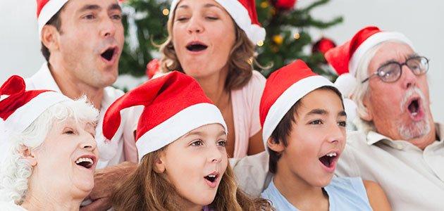 Familia cantando