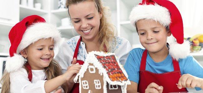 Niños hacen dulce Navidad