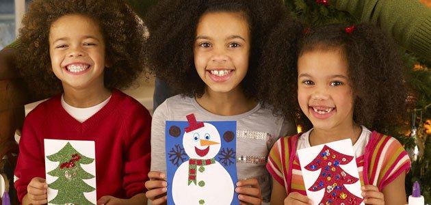 Postales y adornos de navidad con fieltro for Tarjetas de navidad hechas por ninos