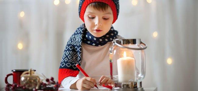 Niño escribe carta
