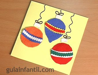 Tarjeta de bolas de Navidad de fieltro