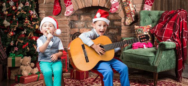 Beneficios de que tus hijos canten villancicos