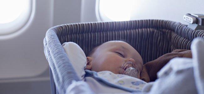 Bebé en avion