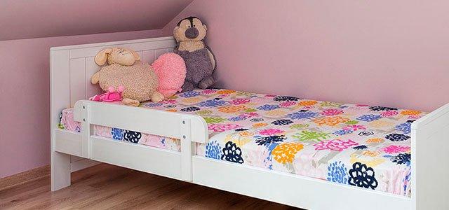 C mo decorar habitaciones infantiles abuhardilladas - Como decorar una habitacion rustica ...