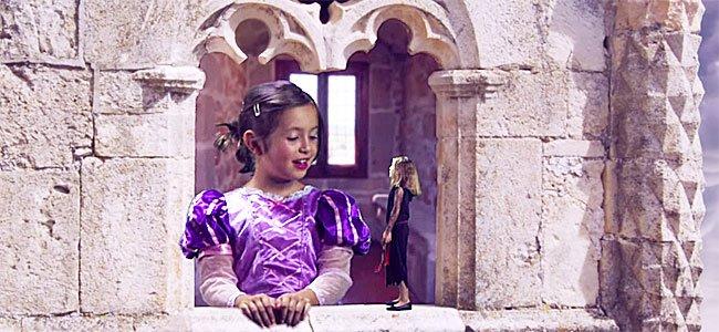 Escena de una de las series de 'Un día de cine' con los niños
