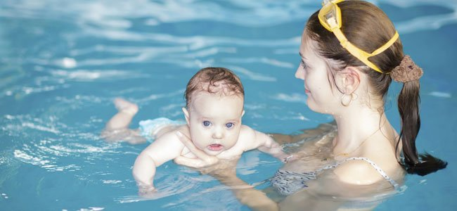 Los beneficios de la matronatación para los bebés