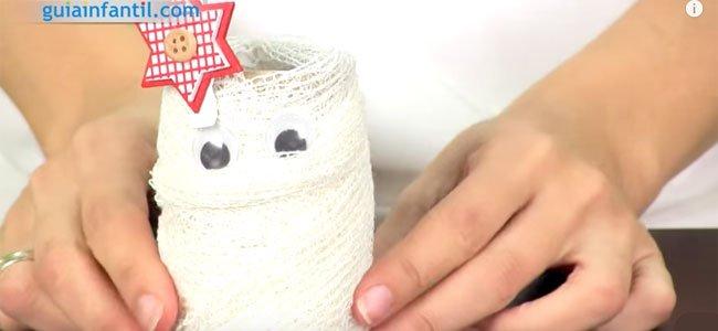 Momia con lacito