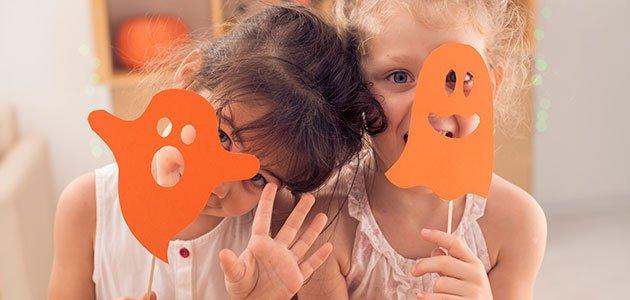 Niñas con fantasmitas Halloween