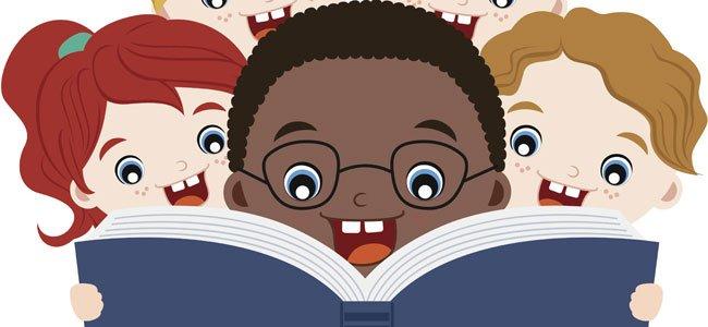 Niño negro lee