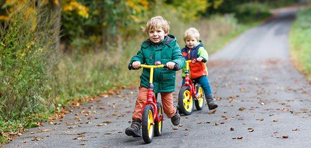 Enseñar A Los Chicos A Andar En Bici: Los Beneficios De Las Bicicletas Sin Pedales Para Niños