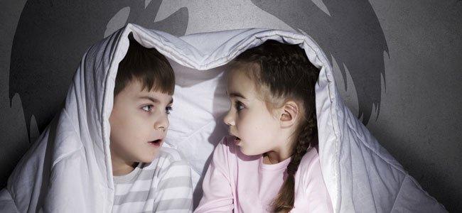 Niños leen con miedo