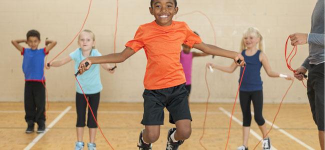 Por qué es bueno saltar a la comba para los niños