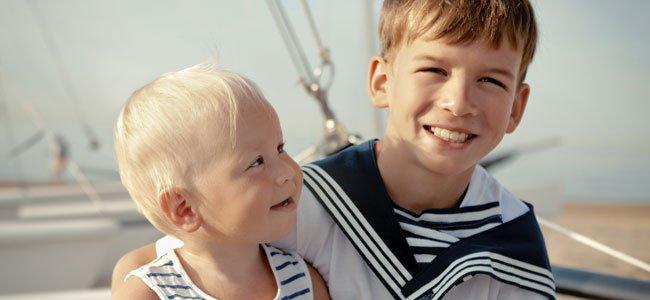 bebé en barco